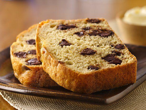 Easy Cake-Mix Banana Bread. I did the chocolate chip banana bread one ...