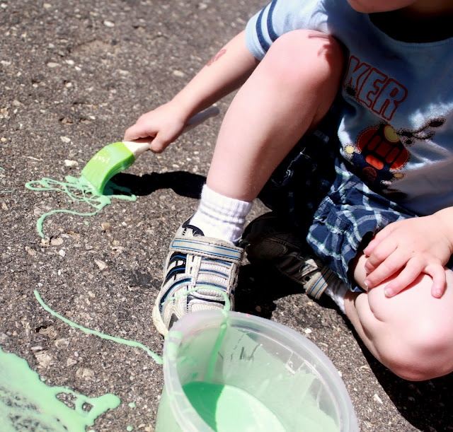 homemade washable sidewalk paint it fizzes when you spray it with. Black Bedroom Furniture Sets. Home Design Ideas