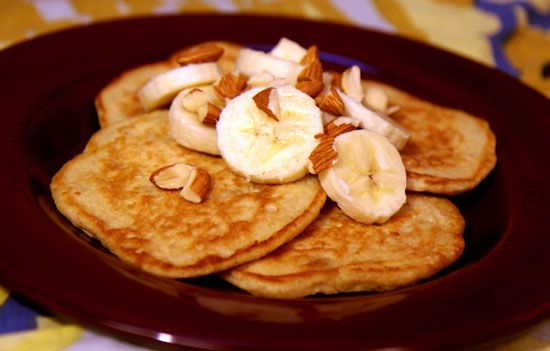 Healthy Breakfast: Banana Almond Oatmeal Pancakes. Made these and tasted great!