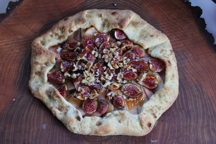 apple fig galette /Laina Schneider