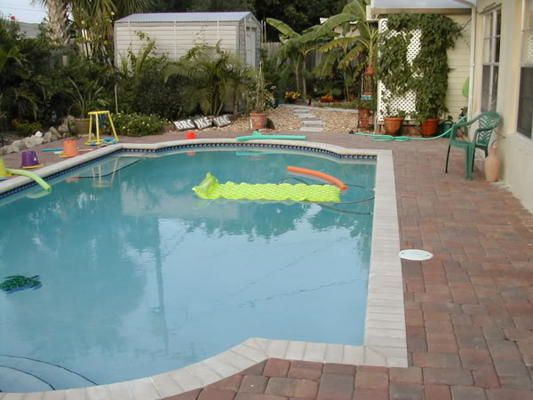 Small pool and or small yard swimming pool pinterest for Small pool pics