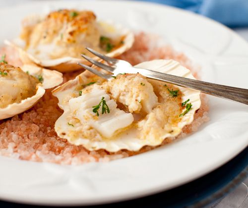 Baked Scallops with Cheese & Wine Sauce | Yummy Goodness | Pinterest