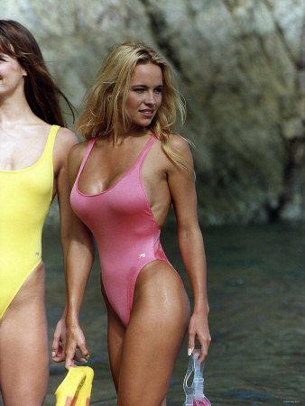 pamela anderson beautiful amazing gorgeous hot women pinterest