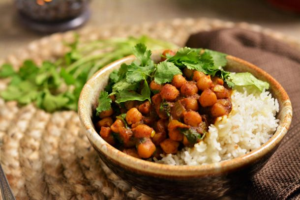Spicy Chole (Chickpea) Curry | KneadForFood - Food Blog Recipes ** I ...