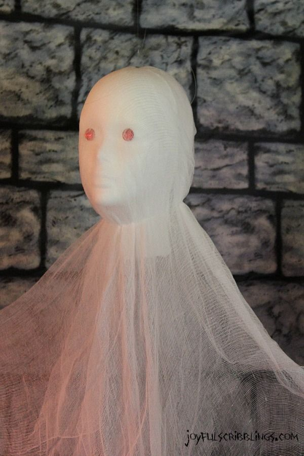 DIY ghost and lots of spooky #Halloween decor ideas