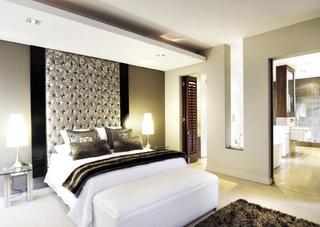 Floor to ceiling headboard interior design bedrooms - Floor to ceiling headboard ...