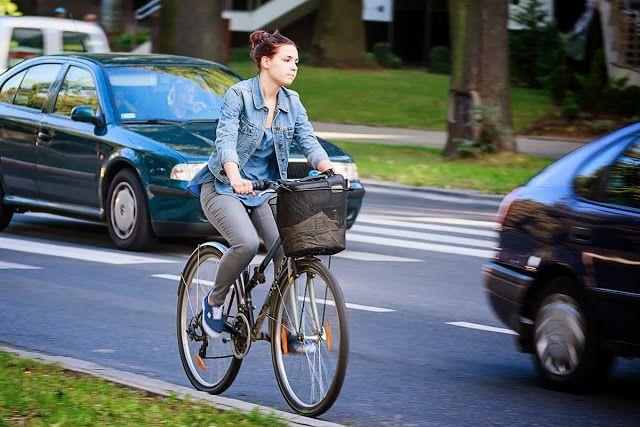 Przejażdżki rowerem są przyjemne, ale mogą być także niebezpieczne (źródło grafiki: Pinterest)