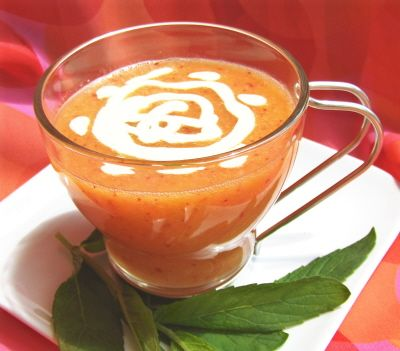 Chilled Peach Soup with Cashew Cream (#vegan #raw #recipe)