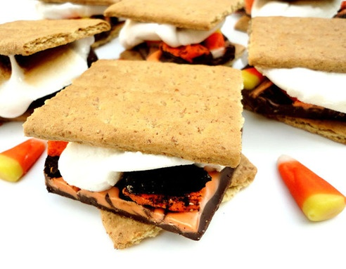 Halloween Candy Bark S'mores!!! | All Things Autumn | Pinterest