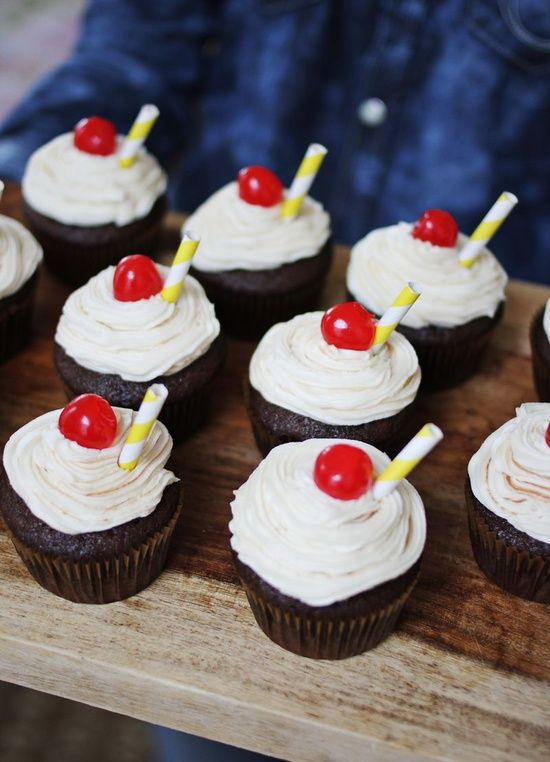 Root Beer Float Cupcakes | Baking Goodness!! | Pinterest
