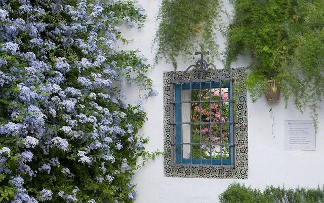 Patio de los Jardineros by Palacio de Viana, via Flickr