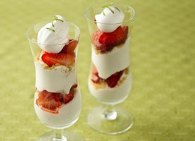 Key Lime Strawberry parfaits | yummy foods to try | Pinterest