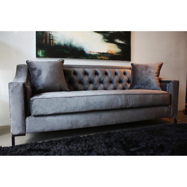 Decenni Custom Furniture 39 Taglia 39 Cosmic Grey Velvet Tufted 6 Foot Lo