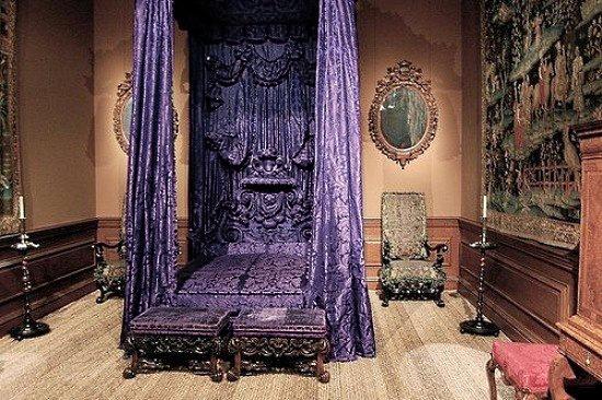 Purple Gothic Bedroom Oh my goth purple velvet