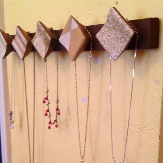 Make a Neckless Hanger out of Old Dresser Door Handles, Scrapbook