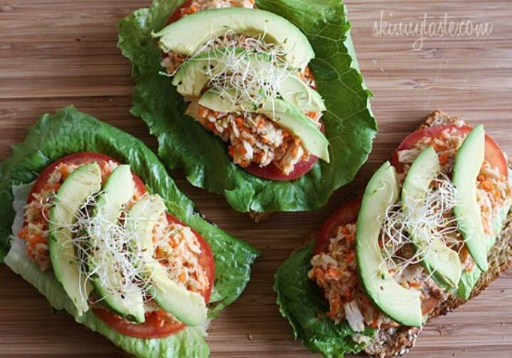 Tuna avocado open face sandwich | Sandwich smamich | Pinterest