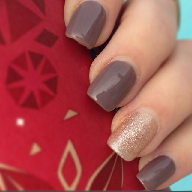 Fall gold glitter and brown gel nails | Nail art | Pinterest