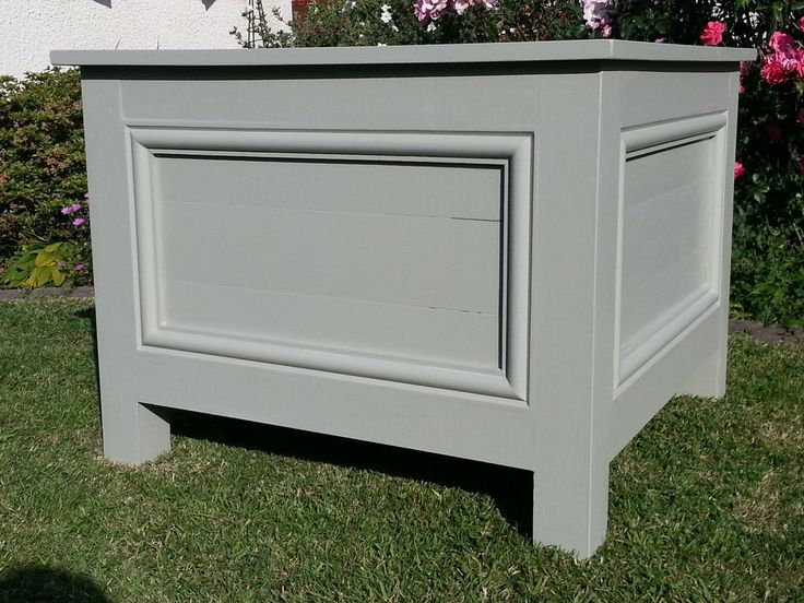 Extra Large Garden Planter finished in Farrow & Ball French Gray.