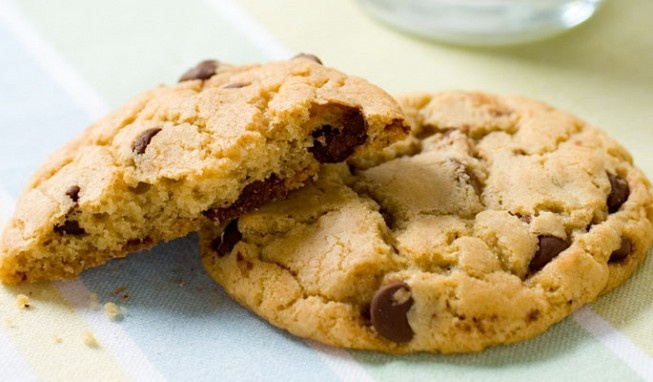 Thick and Chewy Chocolate Chip Cookies | Cookies | Pinterest