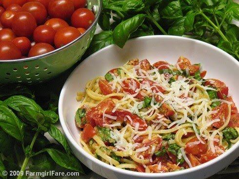 Sun Dried Tomato & Artichoke Pesto, Cherry Tomatoes, and Fresh Basil ...