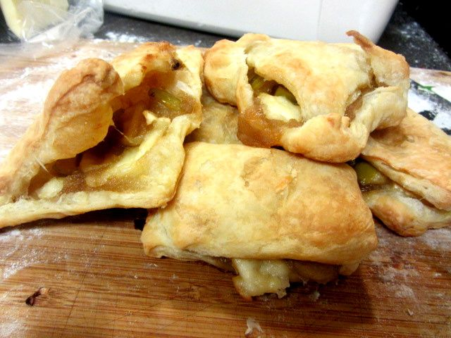 My lovely and talented friend Zoe's Apple Pie Turnovers with Gooey ...