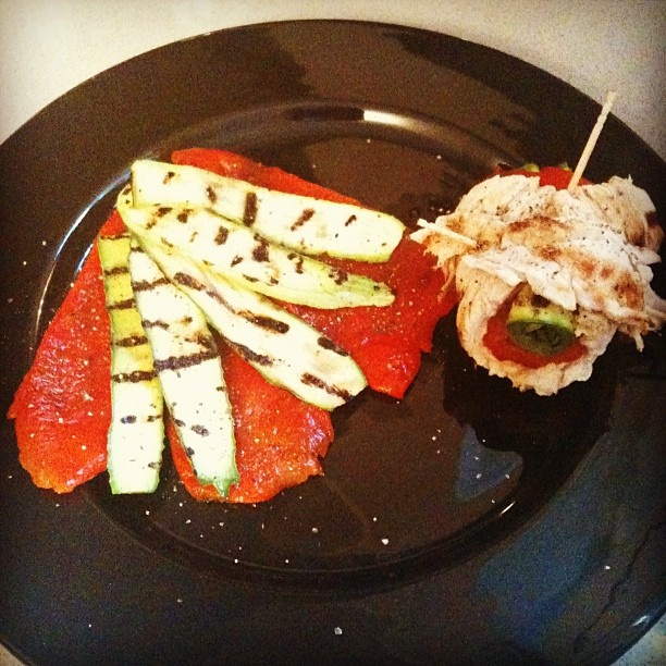 Grilled turkey roll w/ roasted red peppers & zucchini. #healthyfood ...
