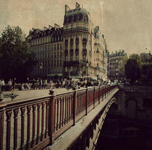   ♕   Crossing over the Seine - Les Iles, Paris   by © Louise LeGresley