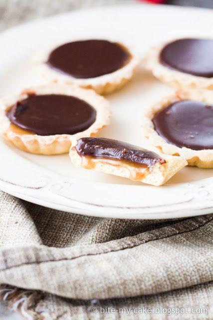 ... cake: Tartlette s čokoladom i karamelom / Chocolate caramel tartlets
