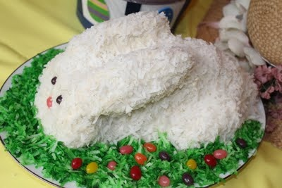 cute and easy bunny cake for Easter. | Easter Ideas | Pinterest