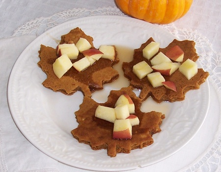 Gingerbread Pancakes with Apples | Holidays - Fall