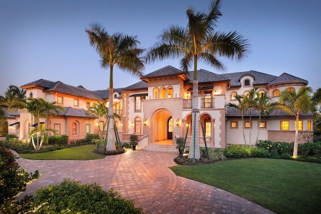 Pin by suzanne on mansions cool homes other structures for Big houses in florida