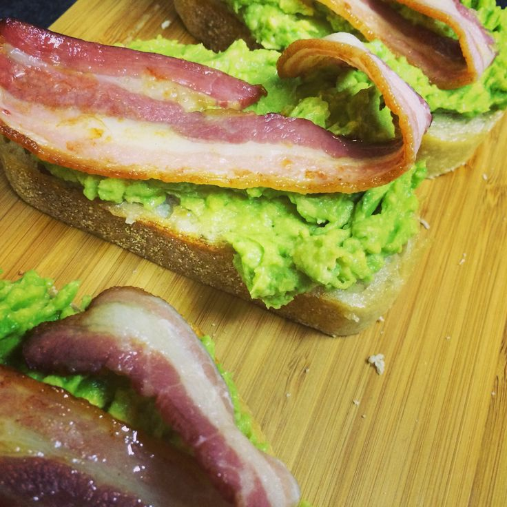Easy dinner: Avocado & Bacon toast | Cooking | Pinterest