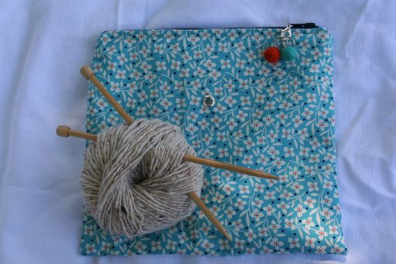 Knitting/Crochet Project Zipper Pouch with Grommet and Stitch Markers ...