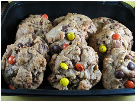 Giant Peanut Butter Chunk Cookies, Cookie swap!