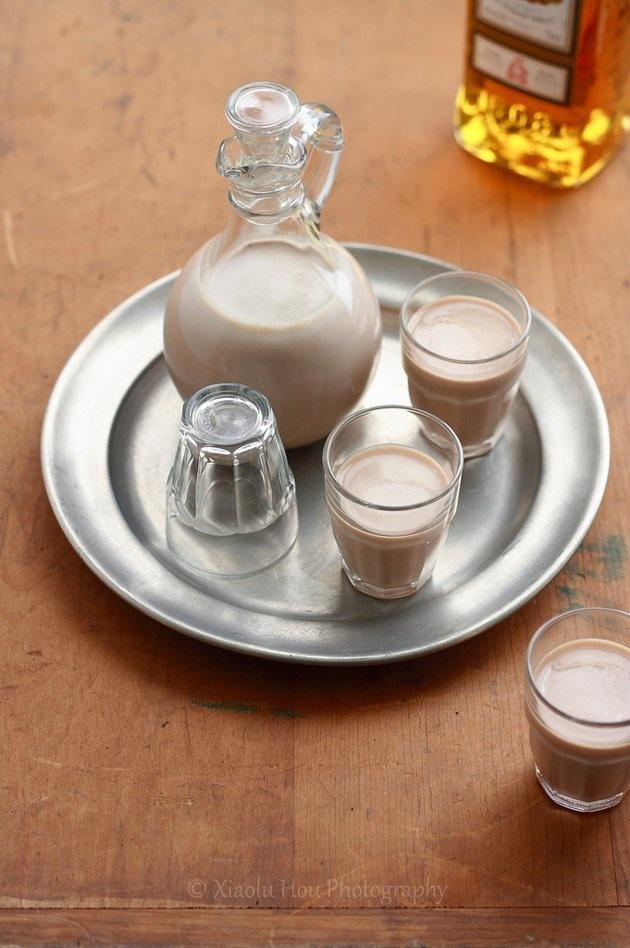 Homemade Baileys Irish Cream liqueur | Liquid Love | Pinterest