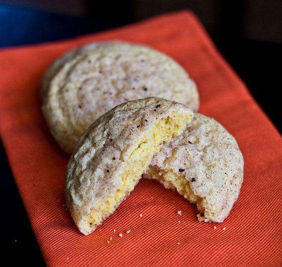 pumpkin snickerdoodles // recipe: http://www.erinsfoodfiles.com/2011 ...