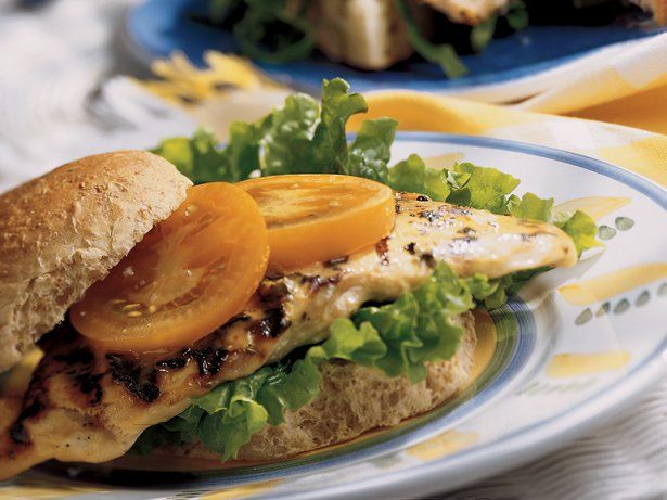 honey mustard grilled chicken sandwhiches bettycrocker com