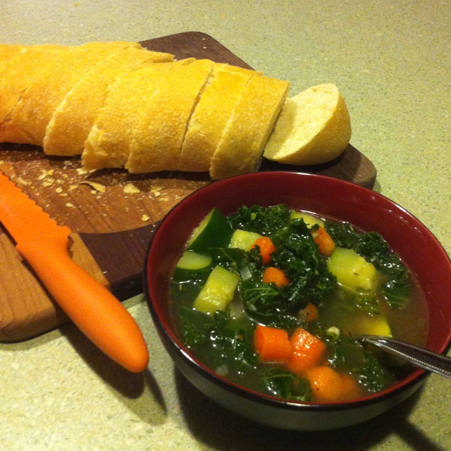 Vegetable & kale soup | Healthy Foods & Snacks | Pinterest