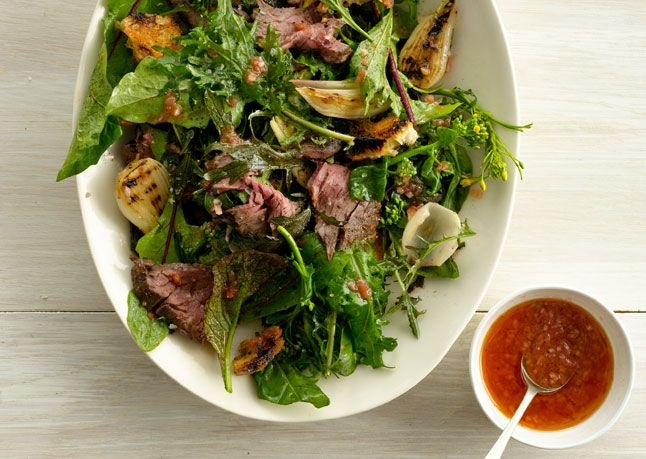 Grilled Steak Salad with Tomato Vinaigrette A great summer salad ...