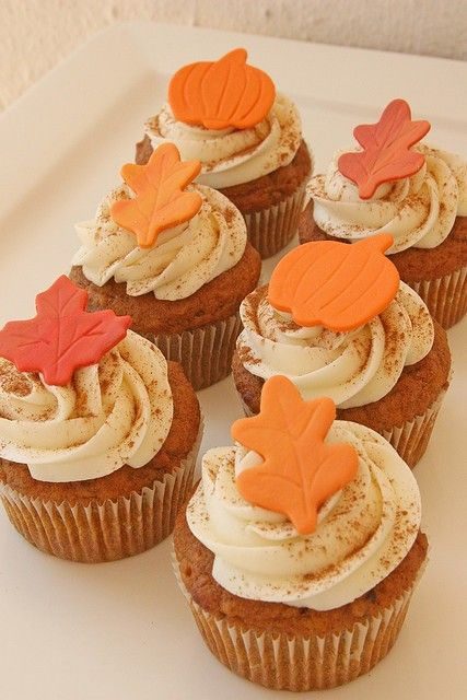 Autumn cupcakes fall pinterest for Fall cake ideas