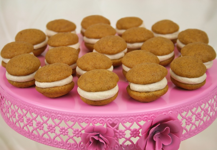 Our mini pumpkin whoopie pies | Mini pumpkin whoopie pies | Pinterest