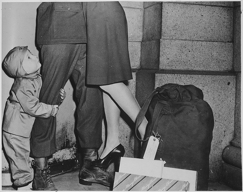 Wwii Soldiers Coming Home Wwii soldier coming home for christmas. via ... Wwii Soldiers Returning Home