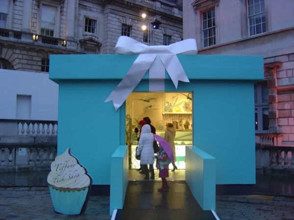 tiffany's pop up store… «