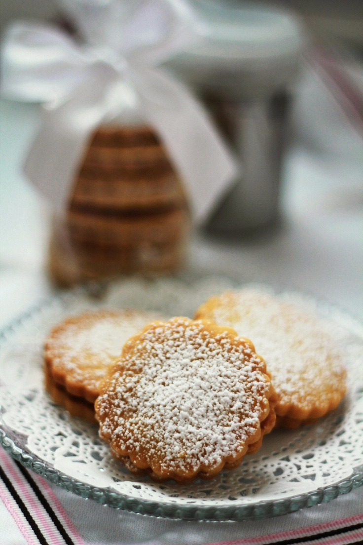 "Alfajores with ""Dulce de Leche"" 