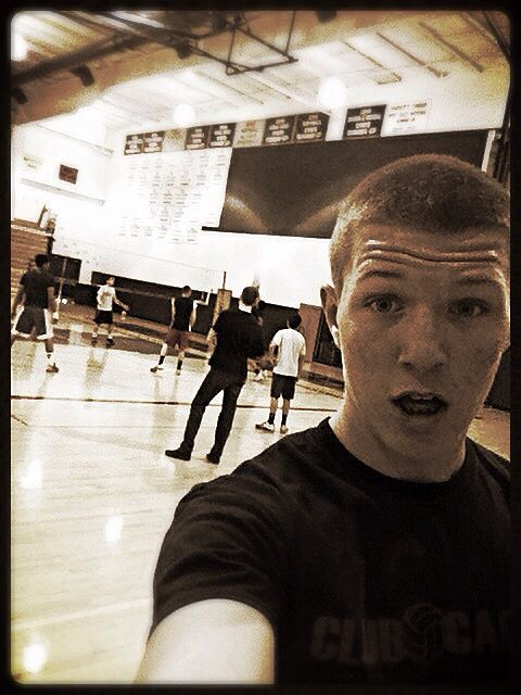 #20 Take a #selfie of you at volleyball practice. Seams Passing! @USA Volleyball  #USAVolleyballPinIttoWinIt