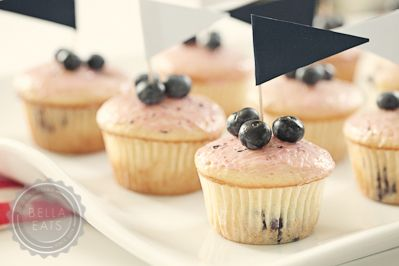 Recipe - Blueberry Hill Cupcakes with Blueberry Glaze