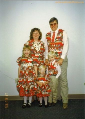 The ugly Christmas outfits family