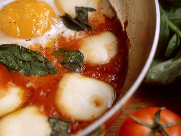 Eggs in Tomato Sauce   Nom   Pinterest