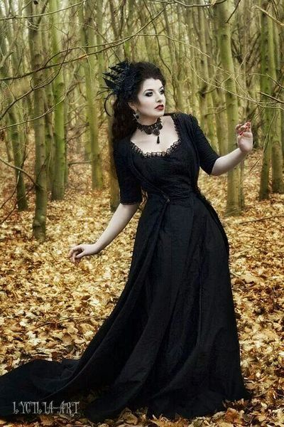 Gothic clothes for women