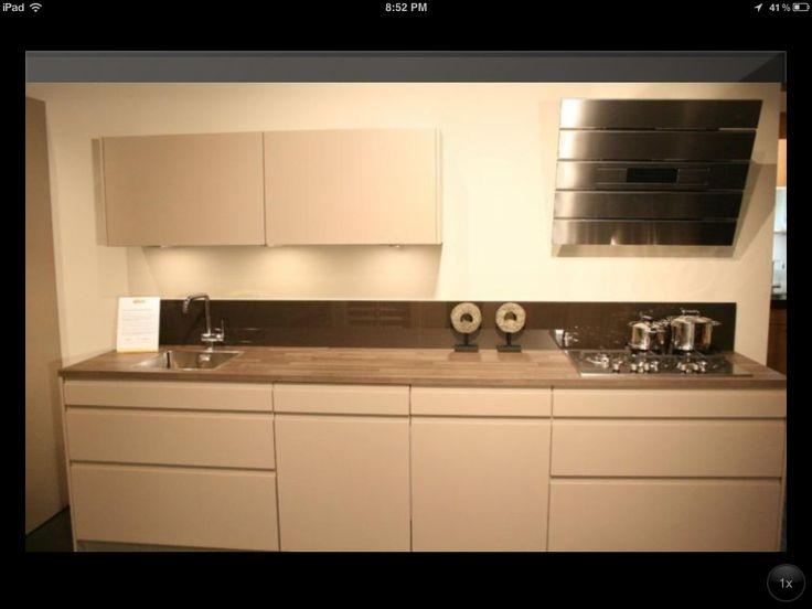 Losse Voorraadkast Keuken : . Maar een extra voorraadkast en losse koelkast moeten er dan wel bij